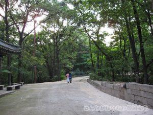 翠寒亭(ツウィハンチョン)一帯への道