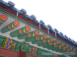 康寧殿(カンニョンジョン)の屋根