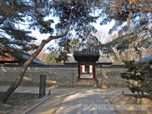 斎宮(ジェグン)一帯の入口