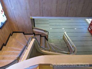 63ワックスミュージアムへ続く階段2