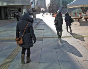 ソウル市内の人々
